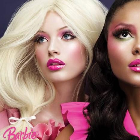 barbie, jouet, femme, modèle, blonde, beauté, canon esthétique,
